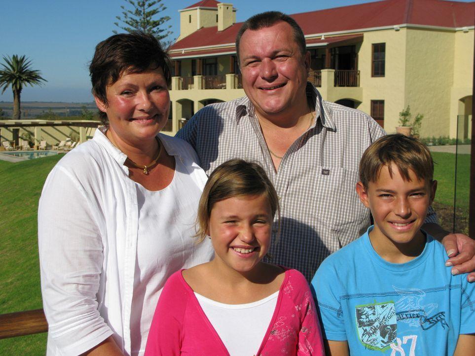 Markus Rahmann (43) ist vor sieben Jahren mit seiner Familie nach Südafrika ausgewandert und bastelt hier an einem Hotel-Imperium. Sein Fünf-Sterne-... - Bildquelle: kabel eins