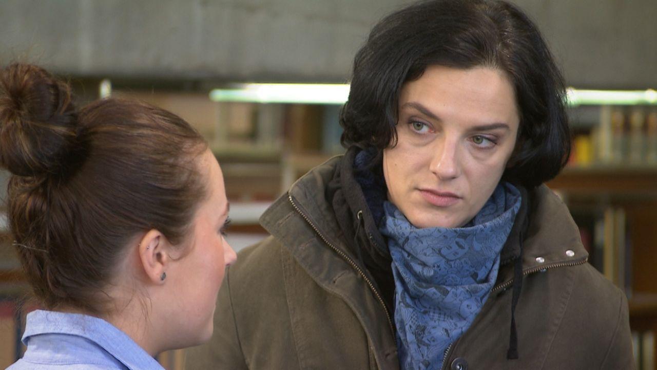 Gibt alles, um Kriminalfälle zu lösen: Sandra ... - Bildquelle: ProSieben/SAT.1