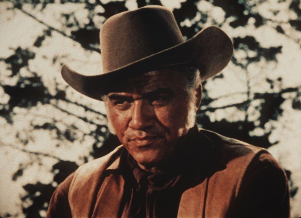 Ben Cartwright (Lorne Greene) will seinen Freund McKee um Hilfe im Kampf gegen Viehdiebe bitten ... - Bildquelle: Paramount Pictures
