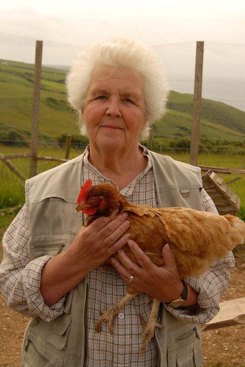 Muss sich mit einem boshaften Schuljungen herumärgern: Tante Joan (Stephanie Cole) ... - Bildquelle: BUFFALO PICTURES/ITV