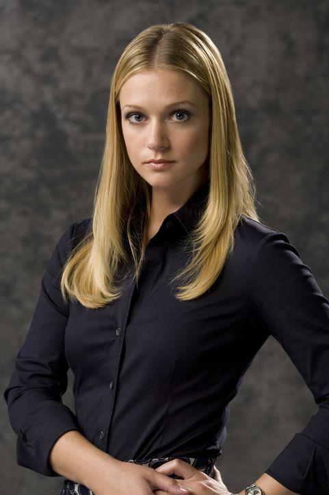 """(3. Staffel) - Mitglied der B.A.U., einer FBI-Einheit, die sich mit verhaltensauffälligen Tätern beschäftigt:  Jennifer """"J.J."""" Jareau (A.J. Cook) ..... - Bildquelle: Monty Brinton 2007 ABC Studios. All rights reserved. NO ARCHIVE. NO RESALE./ Monty Brinton / Monty Brinton"""