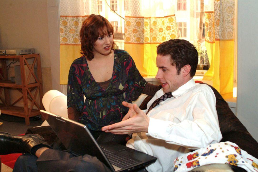 Yvonne (Bärbel Schleker, l.) lehnt Max (Alexander Sternberg, r.) kühl vorgebrachten Heiratswunsch empört ab. - Bildquelle: Monika Schürle Sat.1
