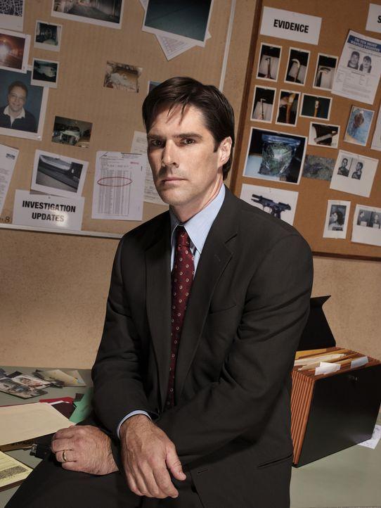 (1. Staffel) - Sorgt für Gerechtigkeit: Agent Aaron Hotchner (Thomas Gibson) ... - Bildquelle: 2004 Touchstone Television. All rights reserved. NO ARCHIVE. NO RESALE.