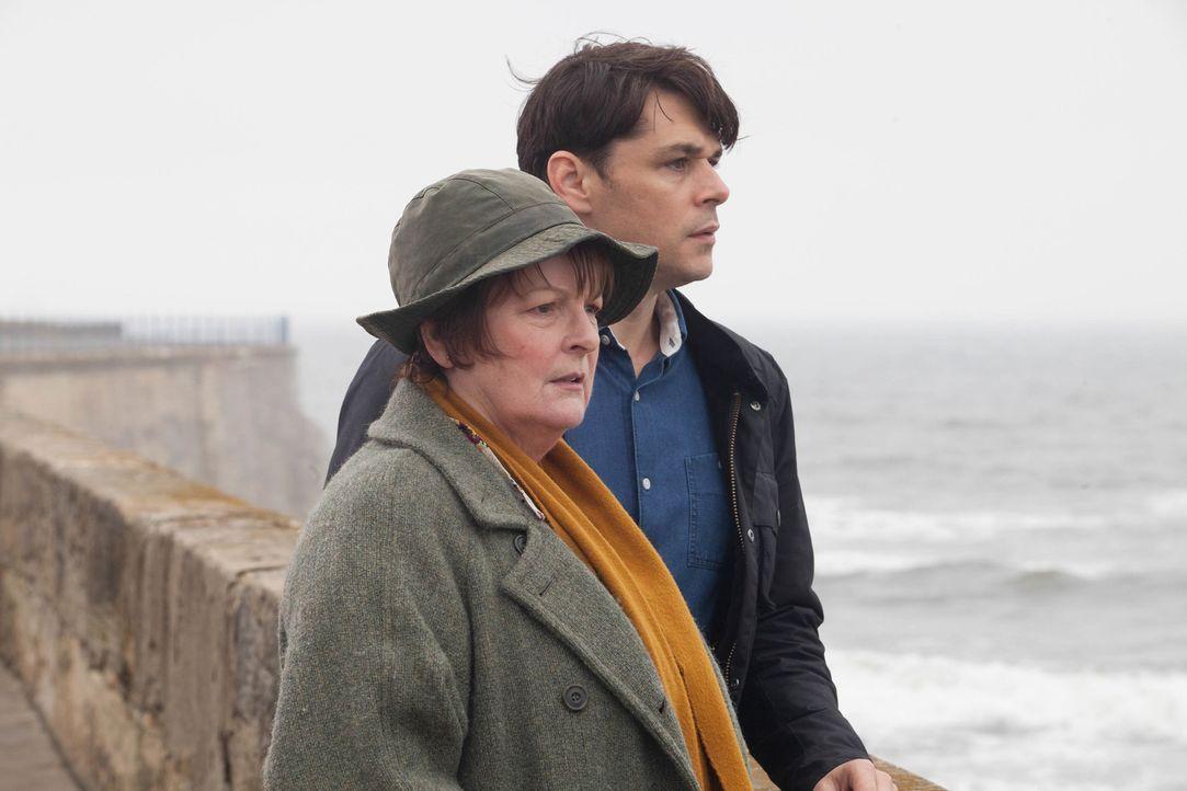 Vera Stanhope (Brenda Blethyn, l.); Aiden Healy (Kenny Doughty, r.) - Bildquelle: Stuart Wood ITV Studios