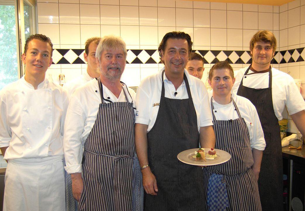 Wer heute im Gastronomie-Wettkampf bestehen will, muss etwas auf der Pfanne haben. Koch-Events spielen dabei eine immer größere Rolle. Sternekoch... - Bildquelle: Sat.1