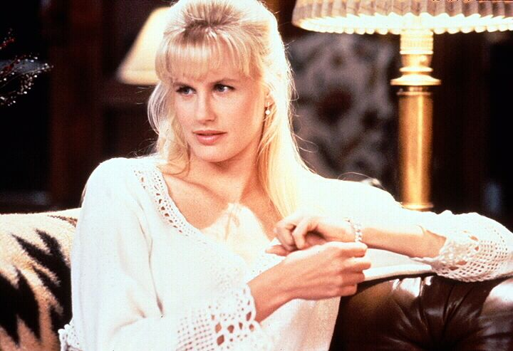 Wie wird Alice Monroe (Daryl Hannah) reagieren, als der sonst so vernünftige Börsenmakler Nick, plötzlich unsichtbar wird und ins Fadenkreuz des FBI... - Bildquelle: 1992 Warner Bros., Inc., Regency Enterprises VOF and Studio Canal+.  All rights reserved.
