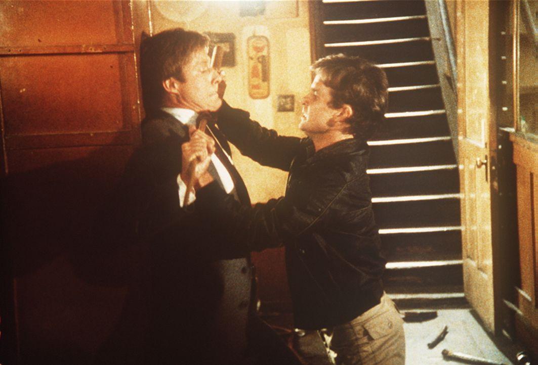 Lee (Bruce Boxleitner, l.) will Amanda aus den Händen des Gangsters Garrison (Jeff Osterhage, r.) befreien, doch zuvor muss er diesen brutalen Verbr...