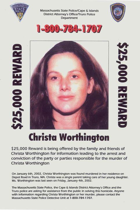 Im Januar 2002 finden Bekannte die Journalistin Christa Worthington grausam zugerichtet in ihrem Haus in Cape Cod. Die Behörden ermitteln fieberhaft...