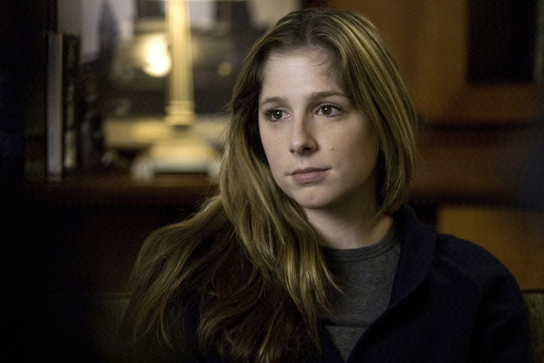 Kann Leah O'Rafferty (Shoshannah Stern) Lilly beim Lösen eine Falls weiterhelfen? - Bildquelle: Warner Bros. Television