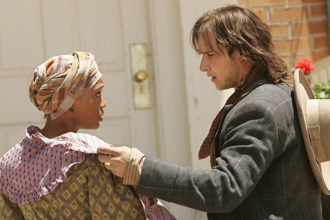Die gutmütige Felice (Savion Rose, l.) ist entsetzt, als sie erkennt, dass der junge Jake Spoon (Ryan Merriman, r.) sich im Herrenhaus der Sculls um... - Bildquelle: 2006 CBS Broadcasting Inc. All Rights Reserved.