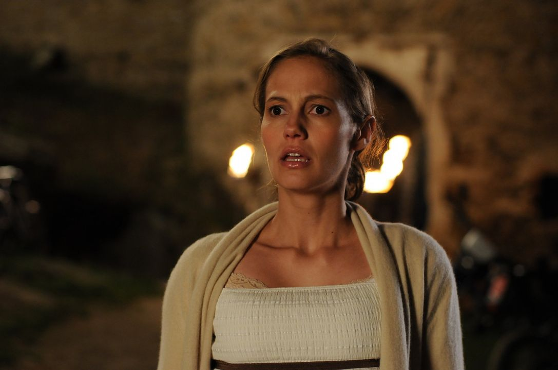 Nach vielen Jahren kehrt Sophie (Luisa Katharina Davids) in ihr Heimatdorf zurück, um ihrem Sohn ein beschauliches Leben zu ermöglichen. Doch kaum a... - Bildquelle: Oliver Roth ProSieben