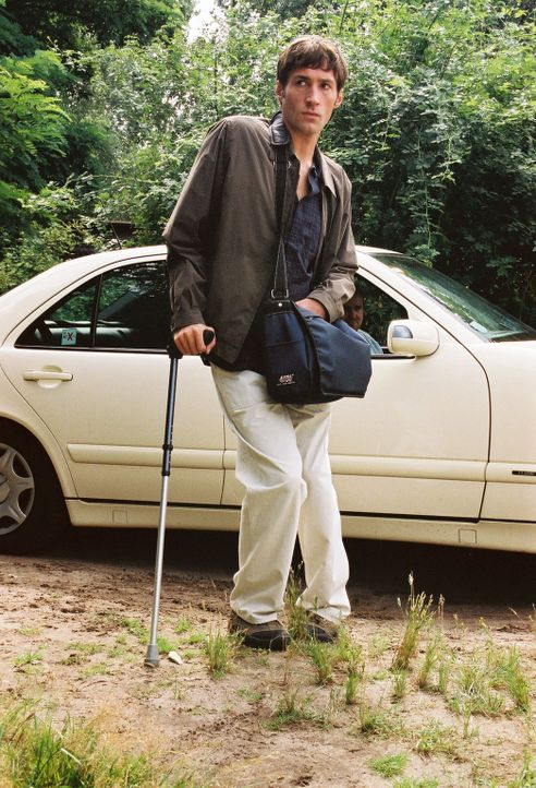 Jonathan (Benjamin Sadler) hofft, am Blockhaus Nina zu finden. - Bildquelle: Susan Skelton Sat.1