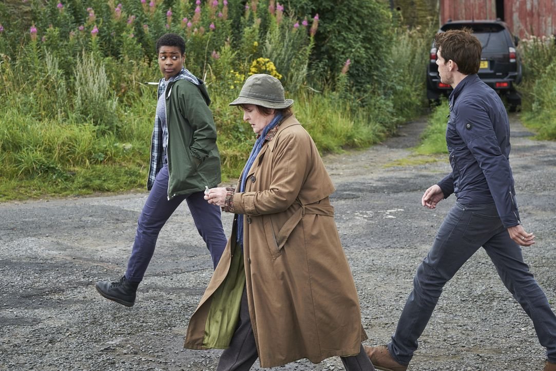 (v.l.n.r.) Jaqueline Williams (Ibinabo Jack); Vera Stanhope (Brenda Blethyn); Aiden Healy (Kenny Doughty) - Bildquelle: Justin Slee ITV Studios