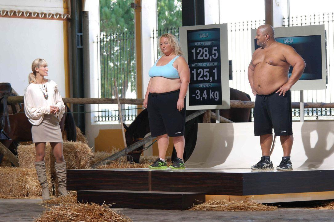 """Die Kandidaten (Tanja, l. und Jack, r.) von """"The Biggest Loser"""" müssen zum großen Wiegen. Dabei zeigt sich ob sie das Training und die Wettkämpfe er... - Bildquelle: Enrique Cano SAT.1"""