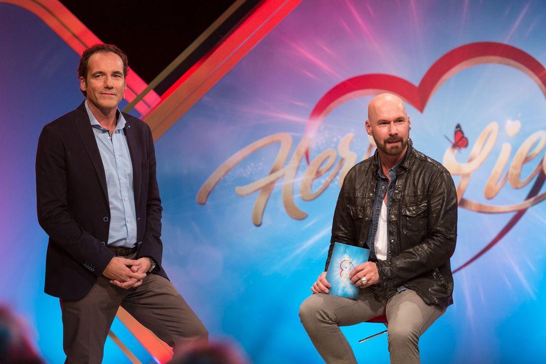 """Markus (r.) hofft bei Thomas Ohrner (l.), in """"Herz sucht Liebe"""" den passenden Partner für sich zu finden. Doch wird dieser unter den drei Kandidaten... - Bildquelle: Kai Schulz SAT.1 Gold"""