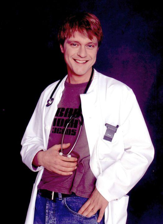 Andreas Maria Schwaiger ist der neue Doktor Christian Ritter in der Kinderklinik. - Bildquelle: Thomas Pritschet Sat.1