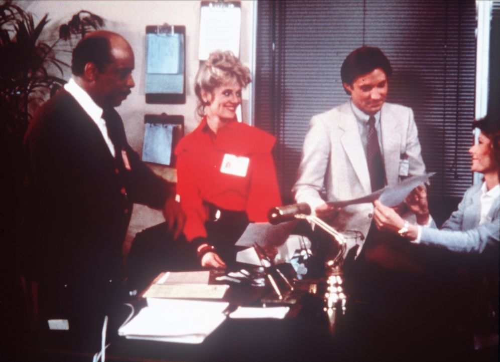 """Das """"Agency""""-Team: (v.l.n.r.) der Chef Billy Melrose (Mel Stewart), seine Mitarbeiterin Francine Desmond (Martha Smith) und die beiden Agenten Lee S... - Bildquelle: CBS Television"""