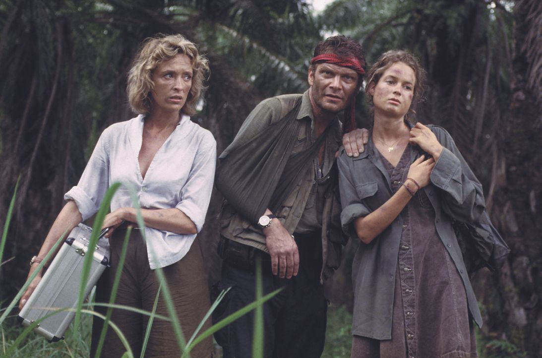 (v.l.n.r.) Sabrina (Philine Dumba); Constantin (Alexander Strobele); Dr. Bianca Sanders (Christine Reinhart) - Bildquelle: Lisa Film