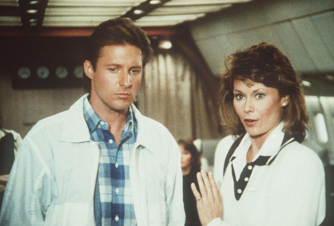 Lee (Bruce Boxleitner, l.) und Amanda (Kate Jackson, r.) müssen einen drohenden Weltkrieg verhindern ...