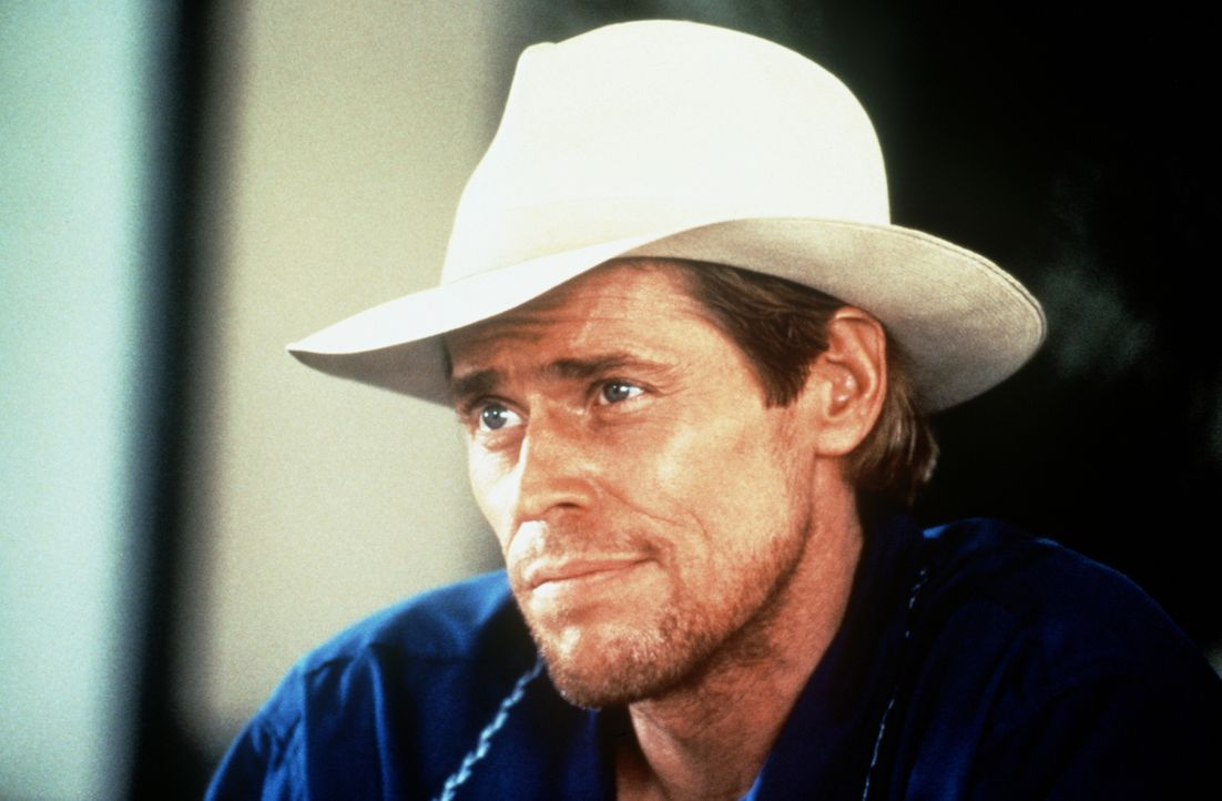 Clark (Willem Dafoe) ist Leiter einer Spezialeinheit der CIA. Seine Leute sollen für eine neue Machtverteilung innerhalb des Drogenkartells geopfert... - Bildquelle: Paramount Pictures