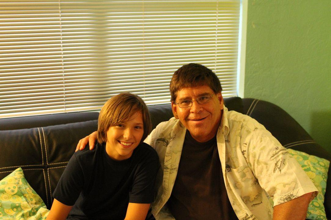 Damian Harper (l.); Jack Harper (r.) - Bildquelle: MMX ATLAS MEDIA CORPORATION