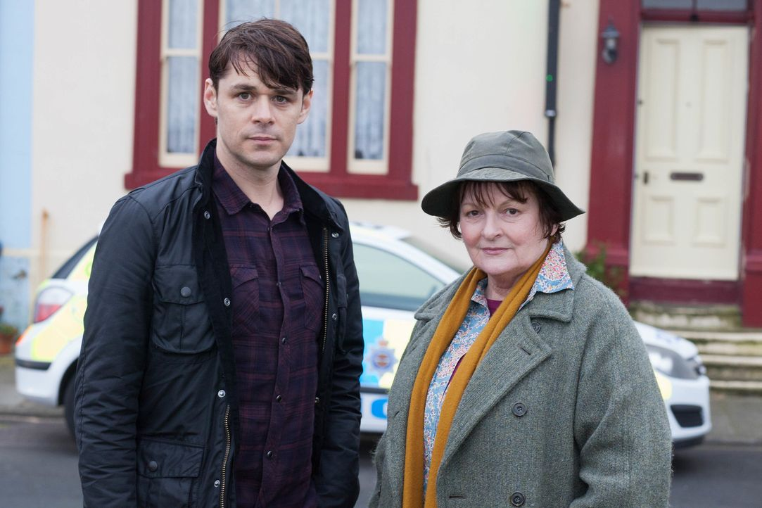 Aiden Healy (Kenny Doughty, l.); Vera Stanhope (Brenda Blethyn, r.) - Bildquelle: Rachel Joseph ITV Studios/Rachel Joseph