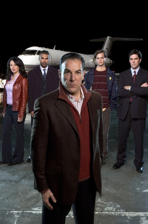(1. Staffel) - Mitglieder der B.A.U. - eine FBI-Einheit, die sich mit verhaltensauffälligen Tätern beschäftigt: Special Agent Jason Gideon (Mandy Pa... - Bildquelle: 2004 Touchstone Television. All rights reserved. NO ARCHIVE. NO RESALE.