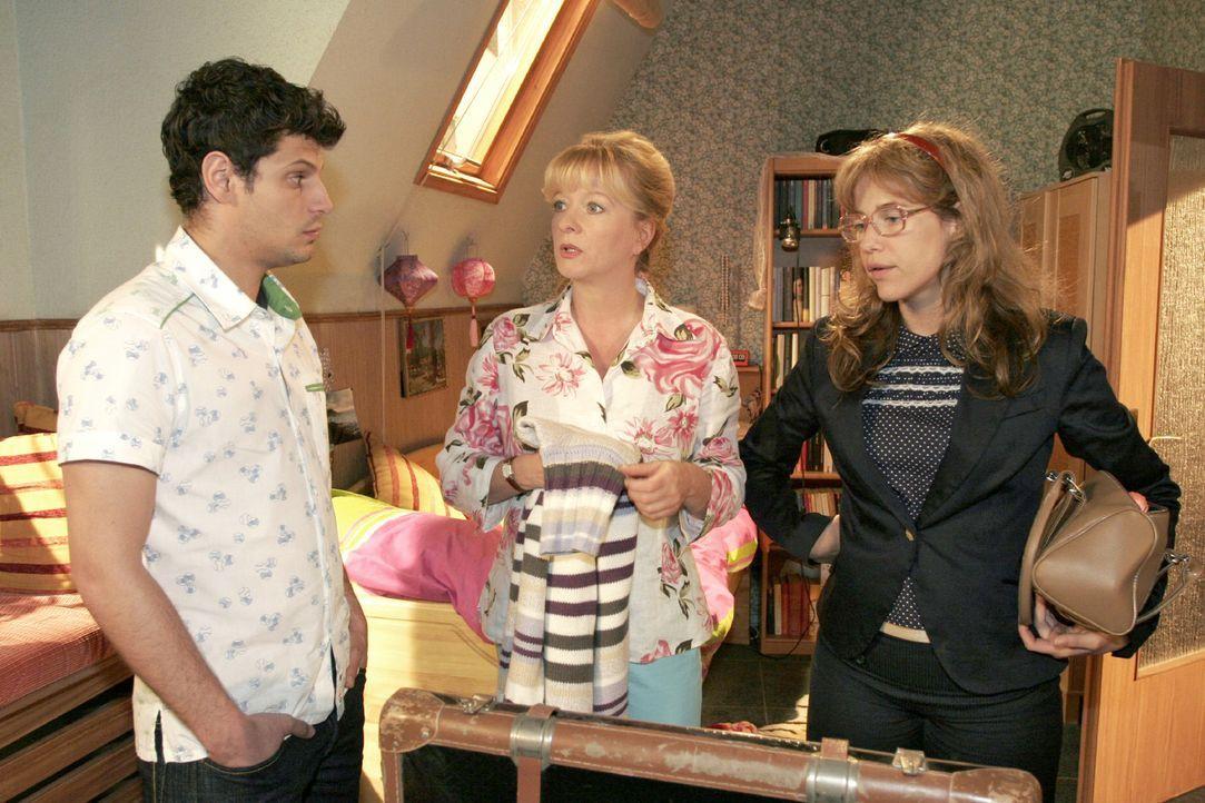 Lisa ist fest entschlossen, David zu besuchen ... v.l.n.r.: Rokko (Manuel Cortez), Helga (Ulrike Mai), Lisa (Alexandra Neldel) - (Dieses Foto von Al... - Bildquelle: Noreen Flynn Sat.1