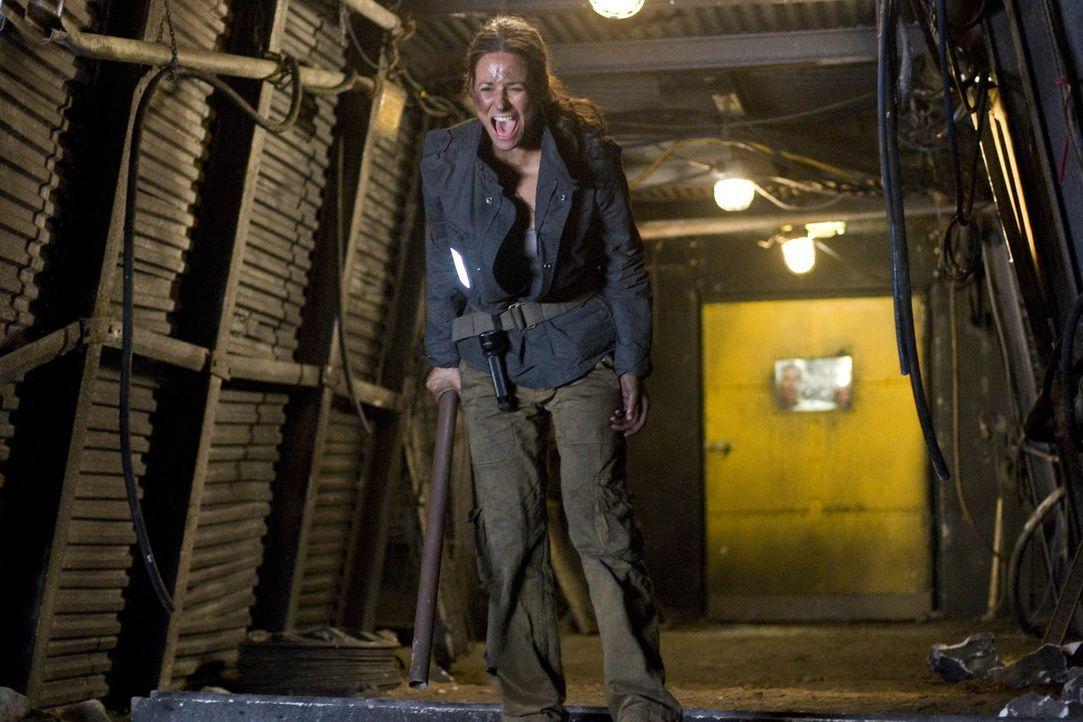 In den dunklen Tiefen des Bergwerks beginnt für Nina (Liane Forestieri) und ihre Freunde ein gnadenloser Wettlauf mit der Zeit ... - Bildquelle: Guido Engels ProSieben