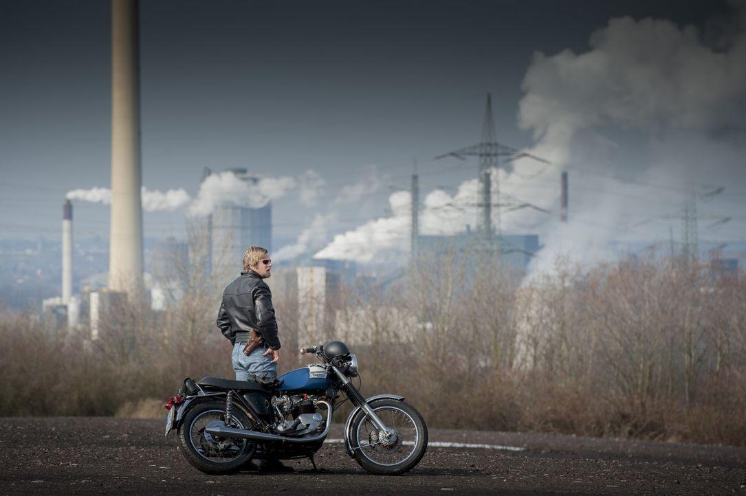 Der letzte echte Bulle: Mick (Henning Baum) ... - Bildquelle: Martin Rottenkolber SAT.1 / Martin Rottenkolber