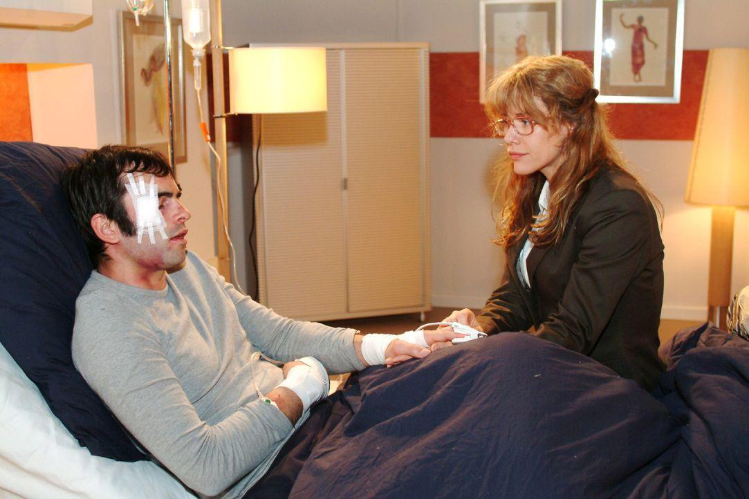 Lisa (Alexandra Neldel, r.) glaubt, dass sie David (Mathis Künzler, l.) mit ihrem Enthusiasmus anstecken kann - doch der ist mit seinen Gedanken woa... - Bildquelle: Monika Schürle Sat.1