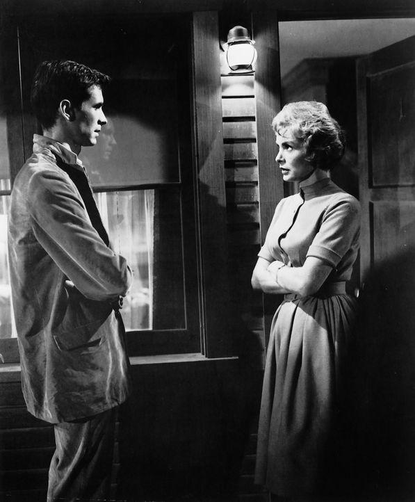 Mitten in der Nacht macht Marion Crane (Janet Leigh, r.) völlig erschöpft Rast an einem Motel. Norman Bates (Anthony Perkins, l.) vermietet hier die... - Bildquelle: 1960 Shamley Productions, Inc. Renewed 1988 by Universal City Studios, Inc. All Rights Reserved.
