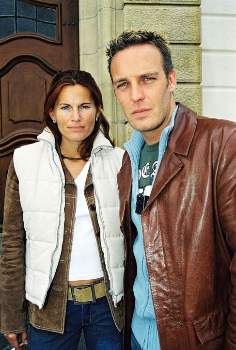 Die Ermittler Sandra Nitka (l.) und Christian Storm (r.) - Bildquelle: Riedel Sat.1