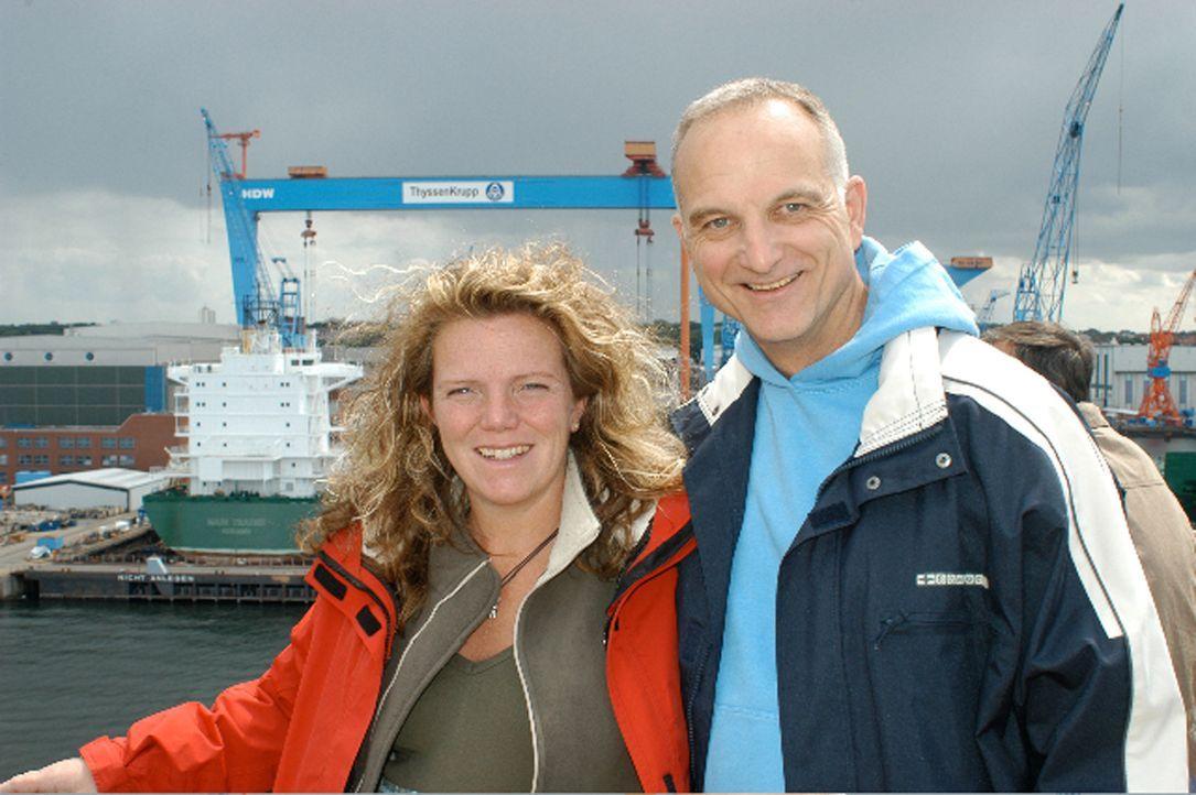 Birgit Walter und Frank Ballack sind vor vier Monaten vom Rheinland auf die Insel Froya in Norwegen gezogen. Der ehemalige Tauchshopbetreiber hat ei... - Bildquelle: kabel eins