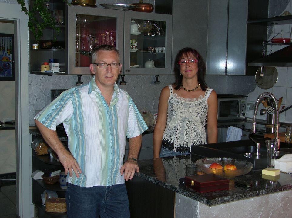 Auch Familie Schönbach träumt davon, in Südafrika zu leben. Mit Sack und Pack machen sich die Schwaben Ursula (47) und Andreas (48) auf, um am Südzi... - Bildquelle: kabel eins