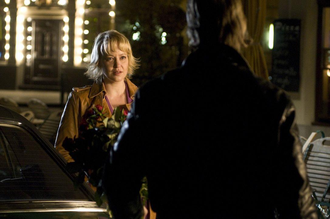 Als der 25. Hochzeitstag naht, entwickelt Mick einen Plan, um seine Lisa (Floriane Daniel) zurückzugewinnen ... - Bildquelle: Martin Rottenkolber SAT.1