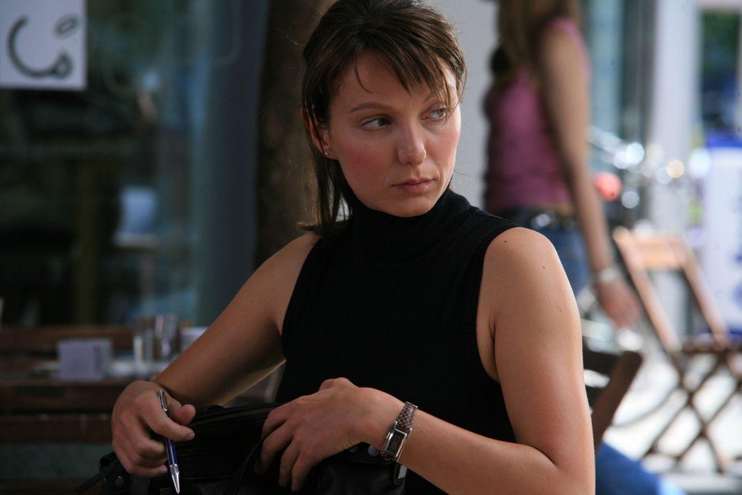 Als die Juristin Maja Berger (Julia Koschitz) aus einer renommierten Anwaltskanzlei rausfliegt, steht für sie sofort fest, dass das der Kündigungsgr... - Bildquelle: Volker Roloff ProSieben