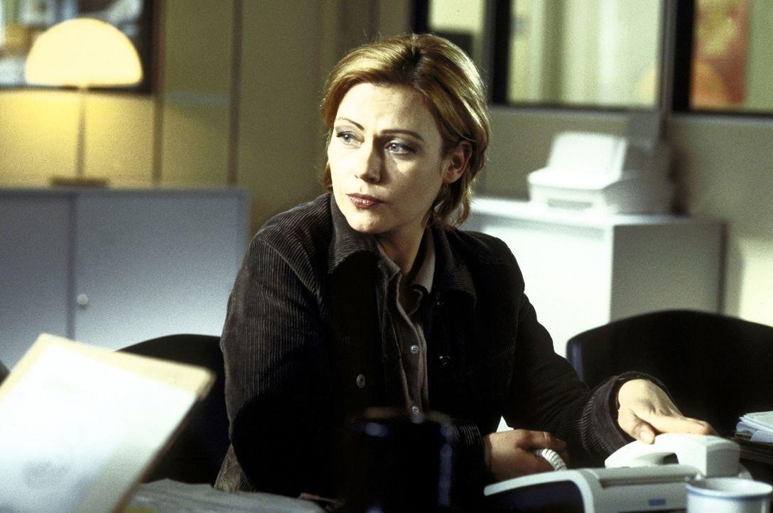 Auf der Jagd nach einem gefährlichen Mörder: Lisa (Jennifer Nitsch) ... - Bildquelle: Meier