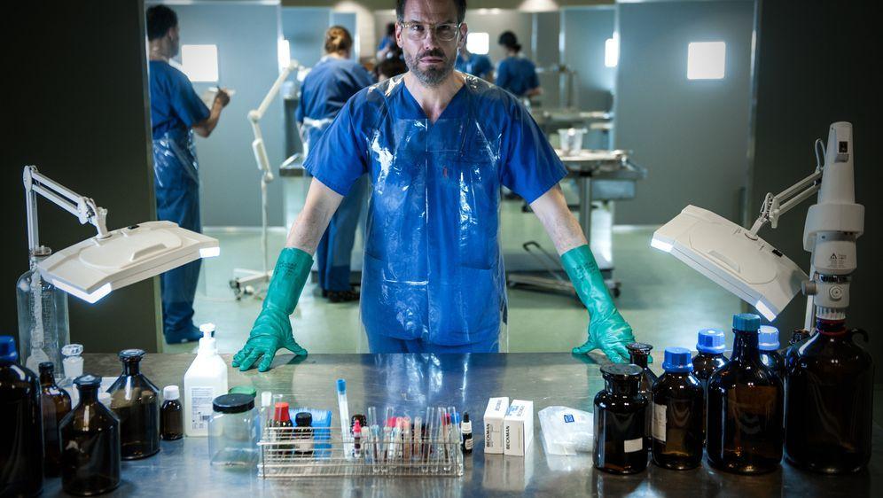 Zerbrochen - Ein Fall für Dr. Abel - Bildquelle: Britta Krehl SAT.1 / Britta Krehl