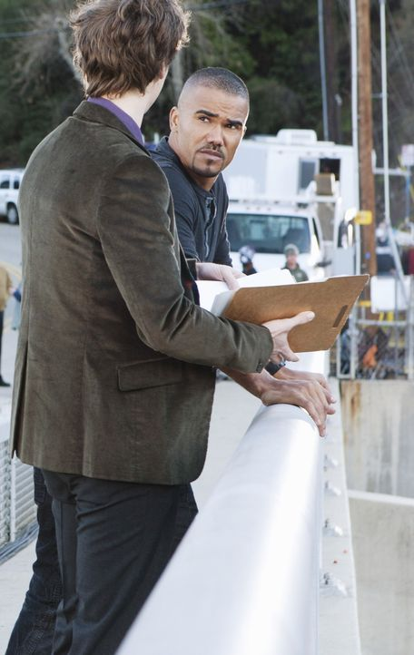 Ermitteln in einem neuen Fall: Derek Morgan (Shemar Moore, r.) und Reid (Matthew Gray Gubler, l.) ... - Bildquelle: Matt Kennedy 2011 American Broadcasting Companies, Inc. All rights reserved. / Matt Kennedy