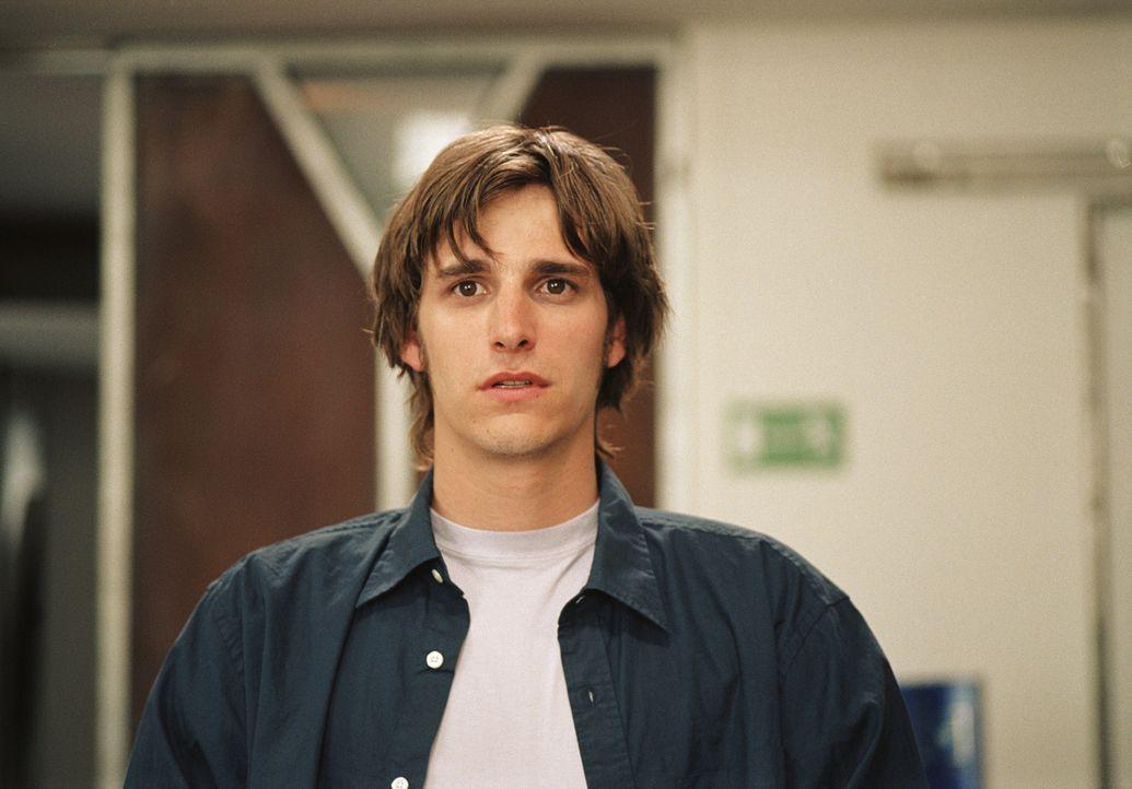 Seit Beginn seines Studiums ist der schüchterne Thomas (Max von Thun) unsterblich in eine überaus attraktive Kommilitonin verliebt. Eines Tages spri... - Bildquelle: Lucia Fuster ProSieben