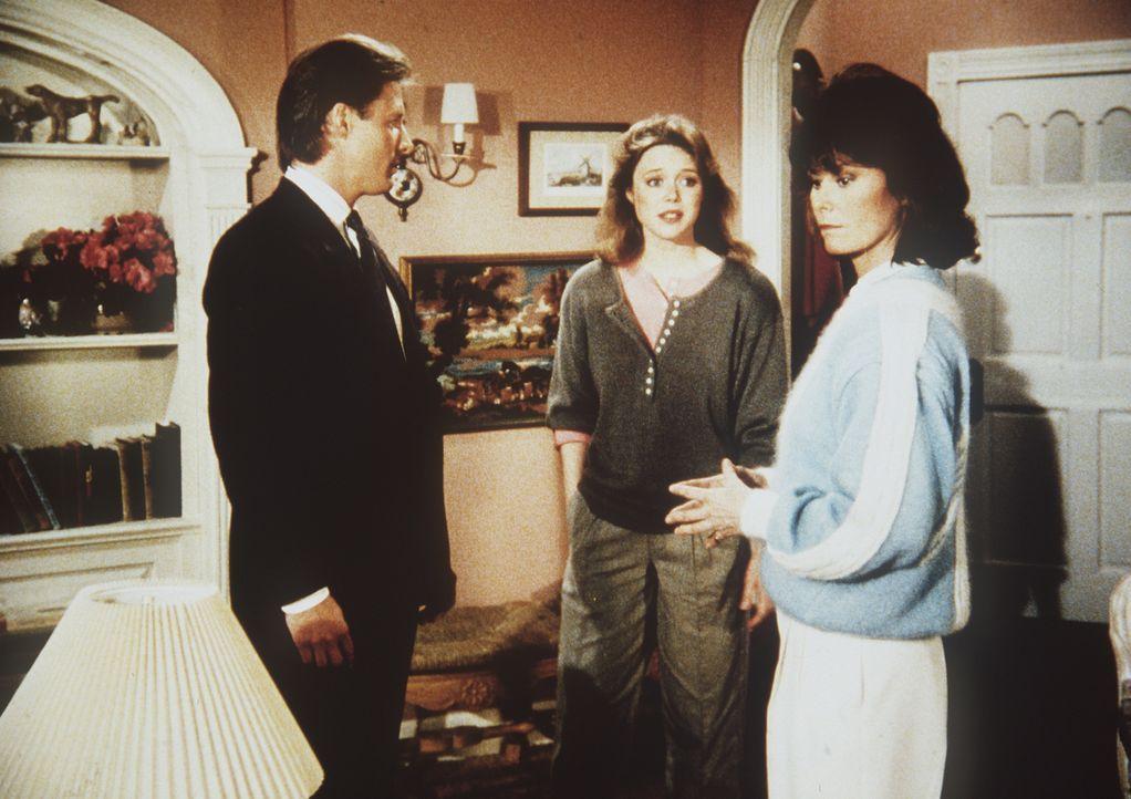 Laura Mayfield (Jayne Modean, M.) hat Amanda (Kate Jackson, r.) und Lee (Bruce Boxleitner, l.) eingeladen, um ihnen das geheime Tagebuch ihres entfü...