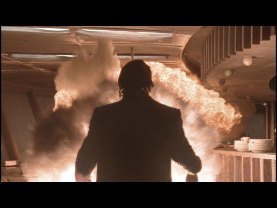 Als in 212 Metern Höhe im Restaurant des Berliner Fernsehturms durch einen Schwelbrand ein Feuer ausbricht, beginnt für Tom und seine Feuerwehrkolle... - Bildquelle: ProSieben ProSieben