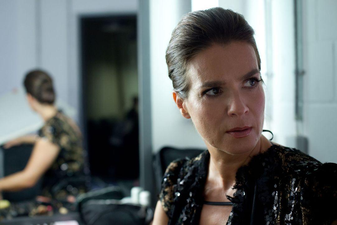Holt sich den Feind direkt ins eigene Haus: Katarina Witt (Katarina Witt) ... - Bildquelle: Conny Klein SAT. 1
