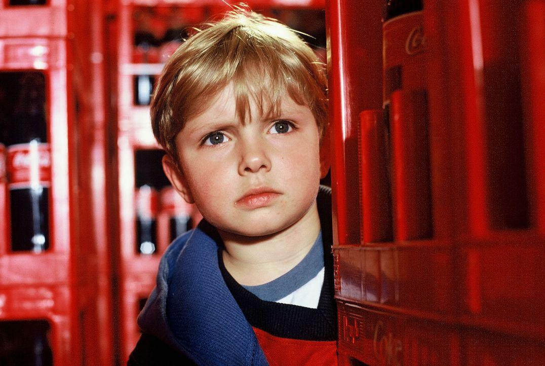 Dexter (Wolf-Niklas Schykowski) ist von zu Hause ausgerissen und will nie mehr mit seinem Vater sprechen... - Bildquelle: Dirk Plamböck Sat.1