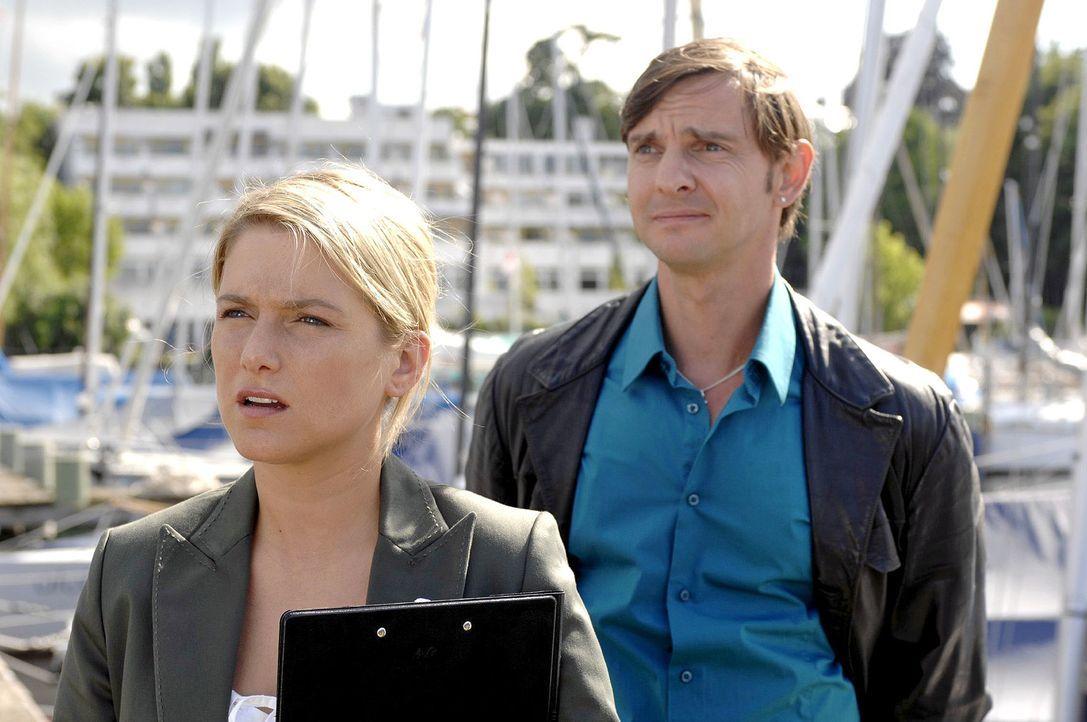 Anna (Jeanette Biedermann, l.) ist entsetzt - hat Marc Bruno (Steven Merting, r.) doch ihre Pläne durchkreuzt ... - Bildquelle: Oliver Ziebe Sat.1