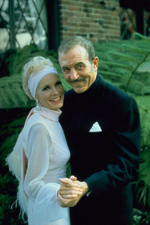 Grace Wheeler Willis (Janet Leigh, l.); Ned Diamond (John Payne, r.) - Bildquelle: 1975 Universal City Studios LLLP. All Rights Reserved.
