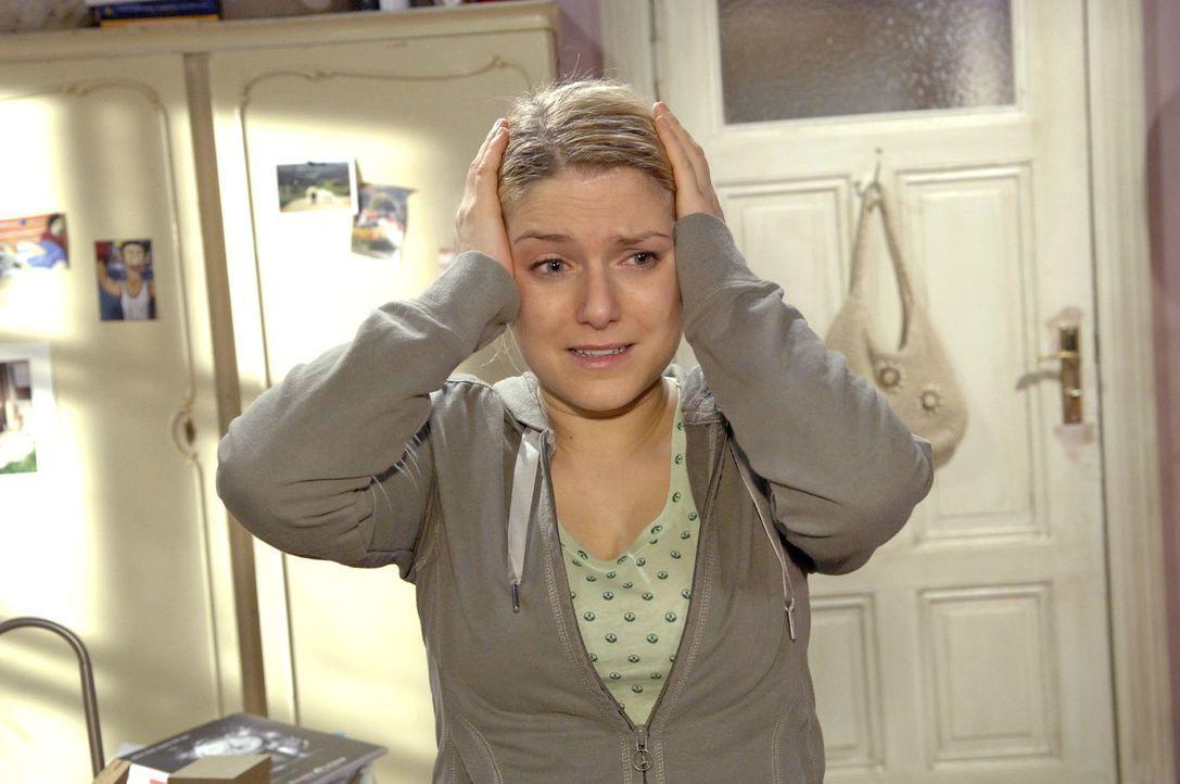 Anna (Jeanette Biedermann) ist entsetzt darüber, was sie getan hat ... - Bildquelle: Claudius Pflug Sat.1