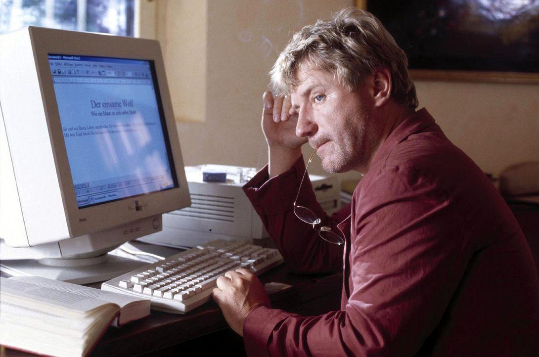 So hat sich Paul Wackernagel (Jörg Schüttauf) seinen Arbeitsurlaub nicht vorgestellt: Statt Ruhe und Besinnung gibt es Stress und Lärm mit einer fre... - Bildquelle: Jo Bischoff Sat.1
