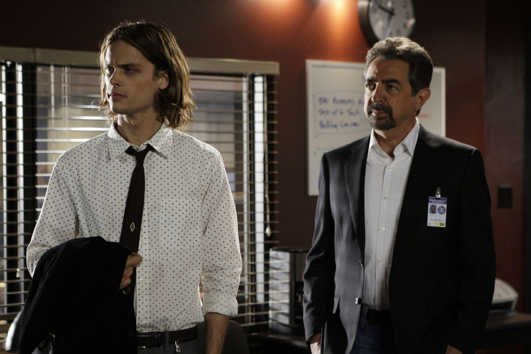 Reid (Matthew Gray Gubler, l.), David Rossi (Joe Mantegna, r.) und das restliche Team werden nach New York gerufen, um dort zu lösen ... - Bildquelle: Cliff Lipson 2008 ABC Studios. All rights reserved. NO ARCHIVE. NO RESALE. / Cliff Lipson